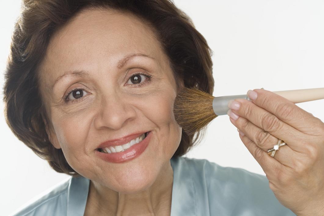 Anti-aging: Hur sminkar man sig yngre?